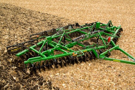 dt-diamond-disk-corn-fall-residue-management.jpg